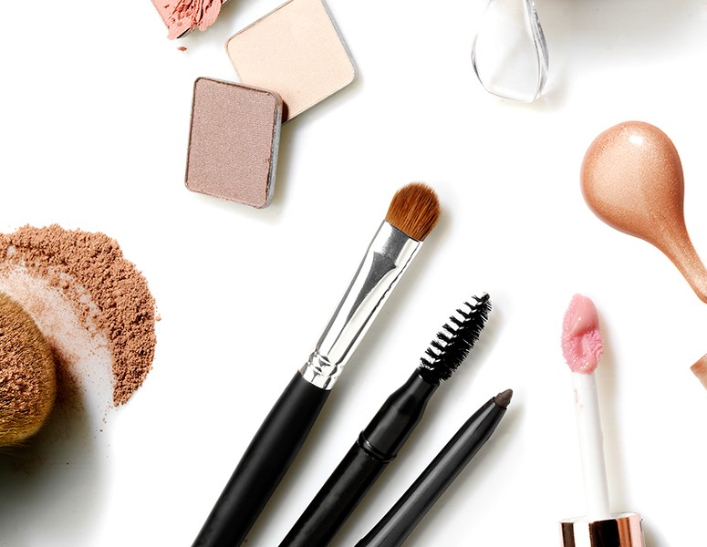 Do you know how long you can use cosmetics and make-up accessories safely