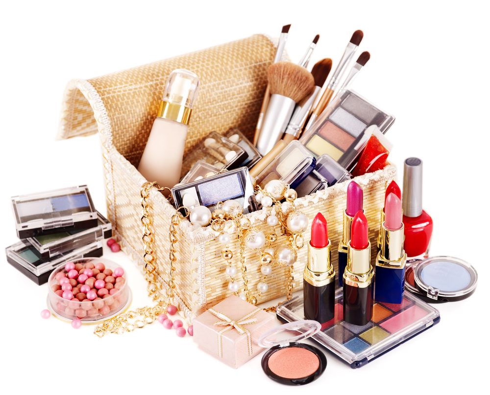 Spring cleaning in your make-up bag. Which cosmetics should be thrown away once and for all and which of them deserve the second chance?