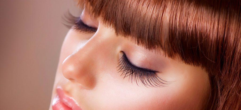 Eyelash lengthening treatments: advantages and disadvantages