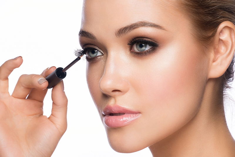 What should be done to grow longer eyelashes? Give a try to eyelash conditioners