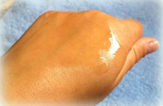 how-to-apply-body-oil.jpg
