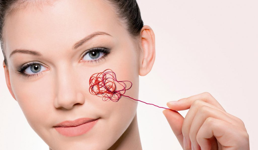 Red spider veins on the face?! You will get rid of them with a cream and these components!