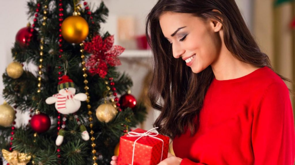 Christmas Beauty Tricks. How to Look your Best for Holidays?
