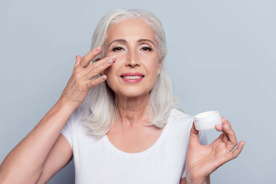How to keep skin's youth? Let's take a closer look at antiaging creams